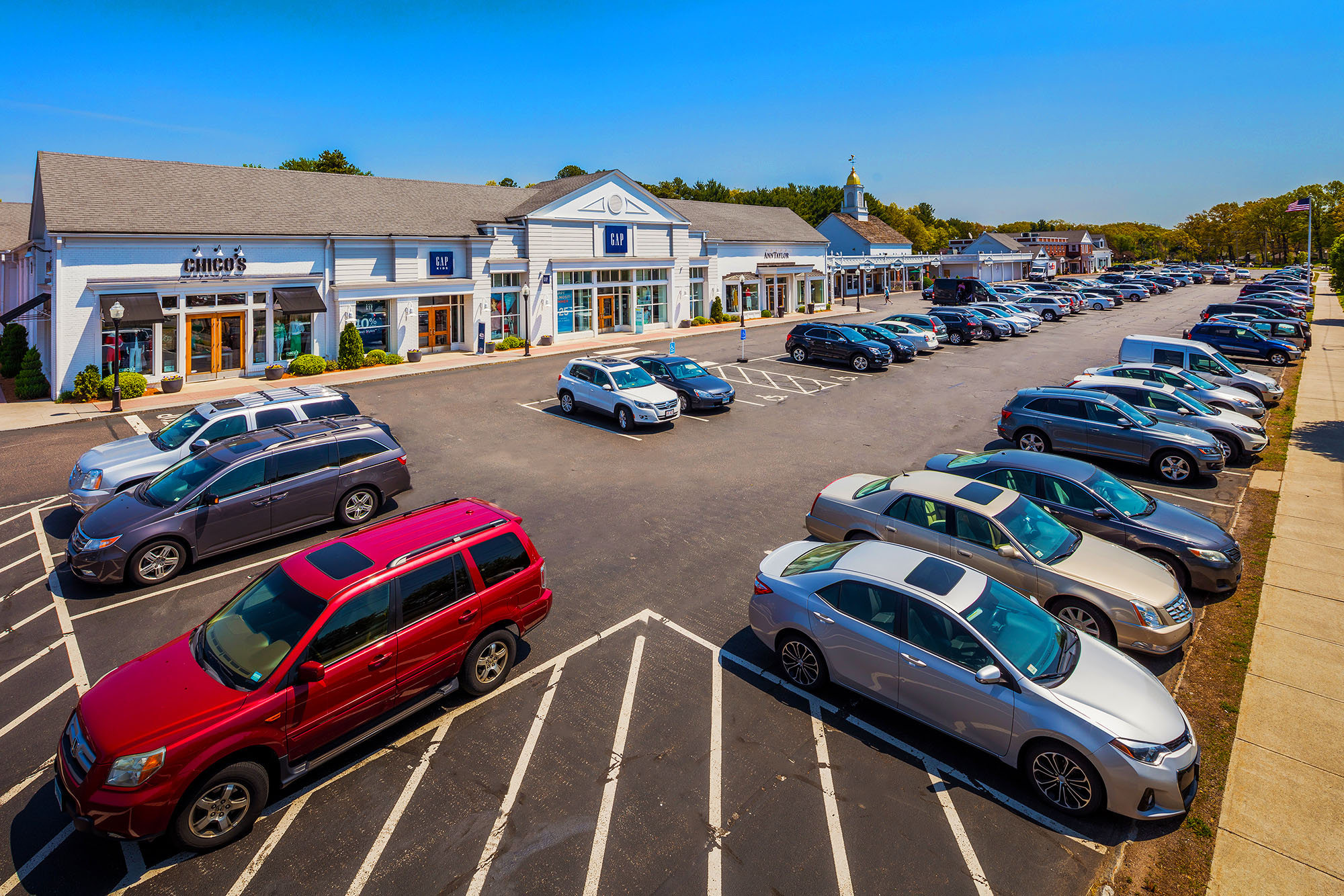 The Longmeadow Shops displaying the parking lot by the Gap